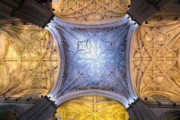 Giralda y Catedral, la magia del Gótico