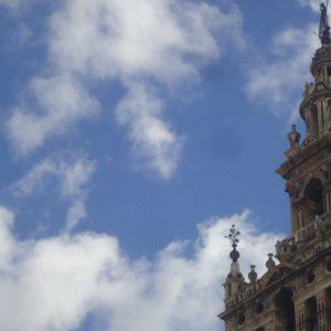 Gimkana familiar, Sevilla con nombre de mujer